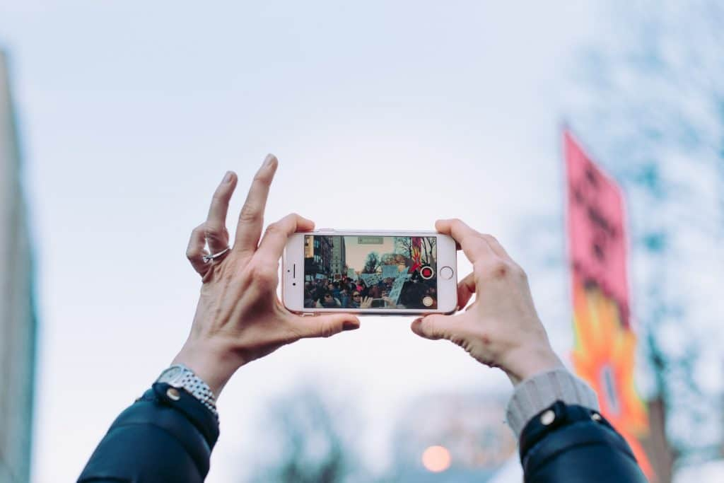 Recording for Video Advertising is easy from a mobile phone